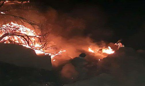 رعد و برق، کوههای تنگ چوگان را به آتش کشید/آتش مهار شد