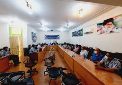 جلسه هم اندیشی نماینده شهرستان های کازرون و کوه چنار با جمعی از کسبه،بازاریان و تولیدکنندگان کوهچناری